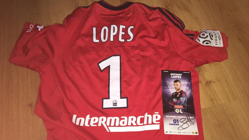 Maillot dédicacé d'Anthony Lopes